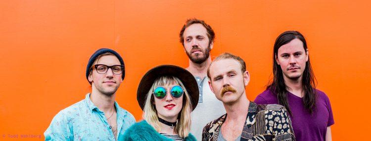 Die Band Minden aus Portland ist zu sehen.
