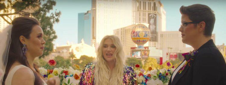 Kesha verheiratet zwei Frauen in Las Vegas.