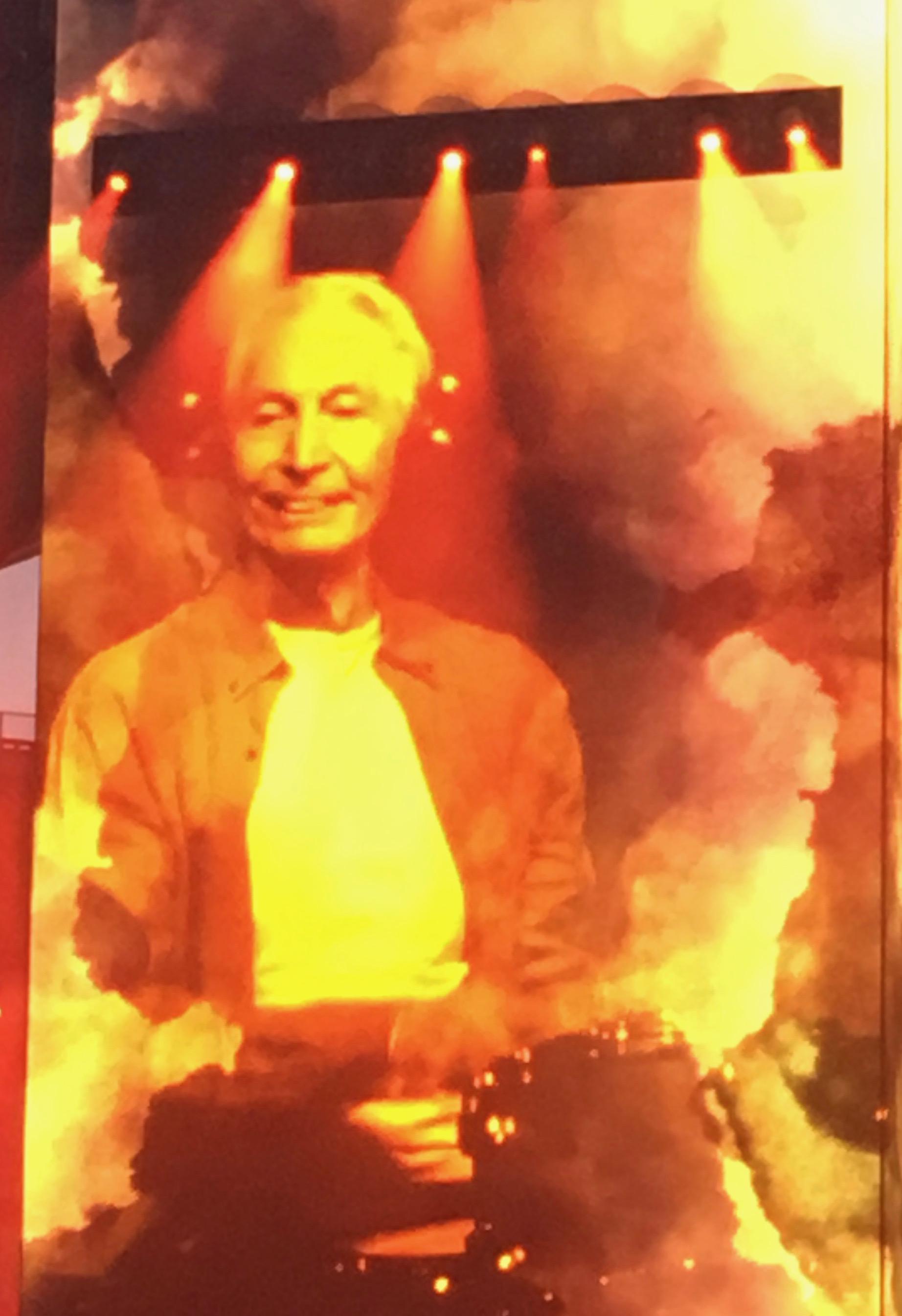 Charlie Watts bei Konzert im Berliner Olympiastation am 23.06.2018. Er sitzt hinter den Drums.