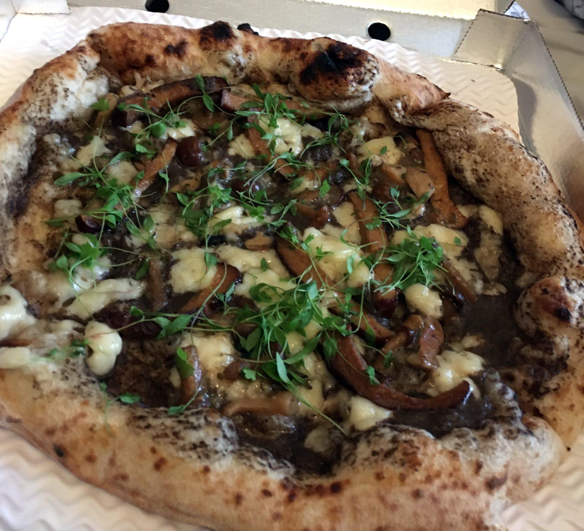 Vegane Trüffelpizza von Purezza aus Brighton