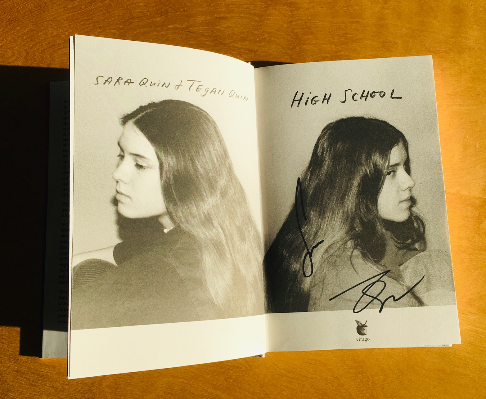 High School von Tegan and Sara signiert