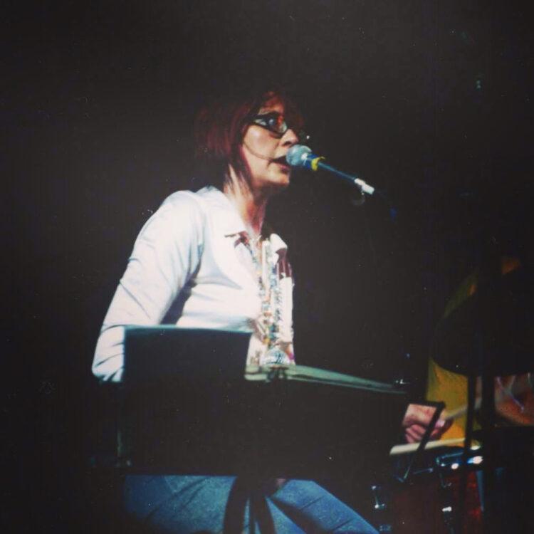 Francoise Cactus von Stereo Total live in Bielefeld